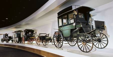 Mercedes-Benz Museum - The beginning of the Legend
