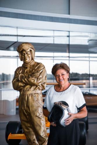 02062020 Amanda McLaren with Bruce McLaren statuea